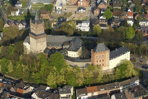Bustour nach Kleve - die Schwanenstadt am Niederrhein @ Abfahrt: Bürgerhaus Bilk